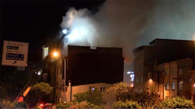 Metruk binanın çatısı alev alev yandı