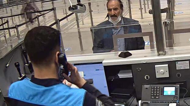 Son dakika... Sahte pasaportla 25. girişince yakalandı