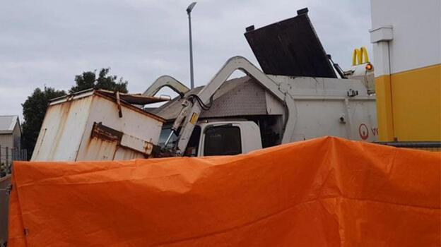 Çöp konteynerinde uyuyan çocuk çöpler boşaltılırken hayatını kaybetti