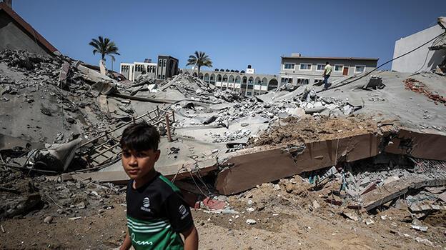Son dakika... İsrail saldırılarında 10'u çocuk 28 Filistinli şehit edildi
