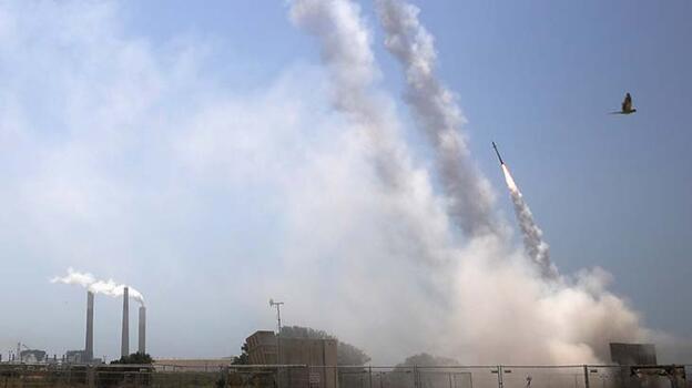Son dakika... İsrail'in Askalan kentinde bir enerji tesisi vuruldu!