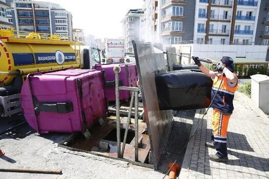Başakşehir'de Kovid-19'a karşı dezenfekte çalışmaları devam ediyor