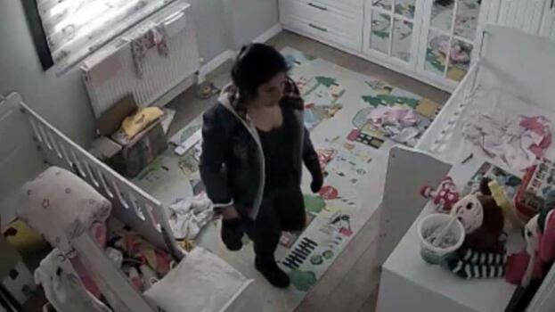Evdeki gizli kameraya her şeyi kaydetti
