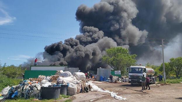 Son dakika: Çanakkale'de korku dolu anlar! Siyah dumanlar gökyüzünü kapladı