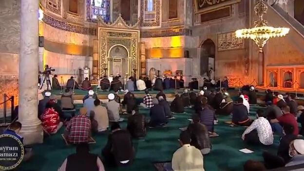 Son dakika: Ayasofya-i Kebir Camii'nde bayram namazı