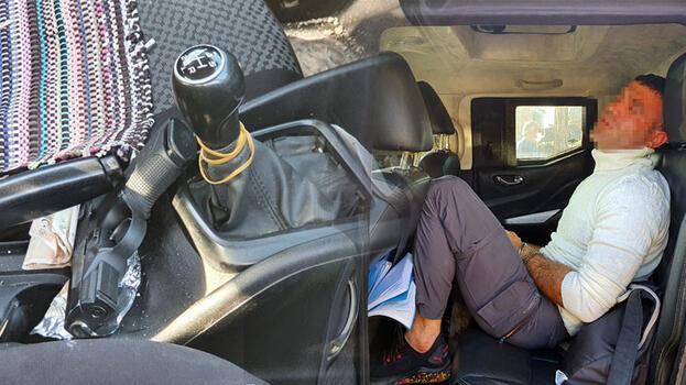 Polis aracına çarpan zanlıların otomobilinde pompalı tüfek ve tabanca bulundu