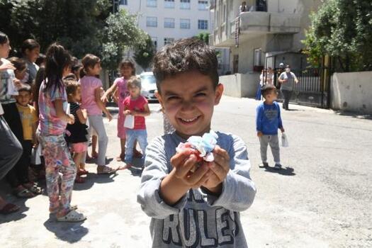 Yenişehir Belediyesi çocukları unutmadı