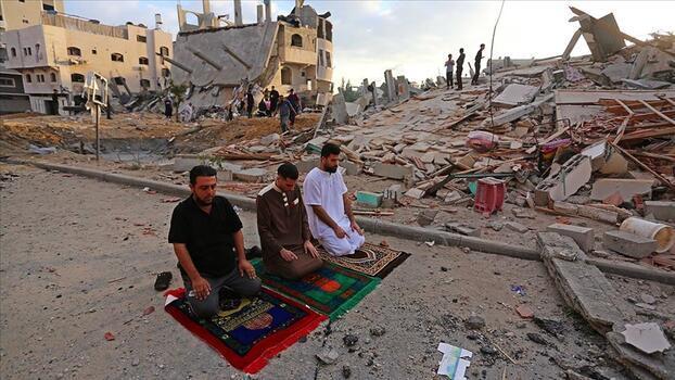 Gazze Şeridi Ramazan Bayramı'na İsrail'in saldırıları gölgesinde girdi