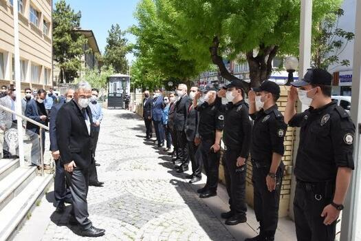Eskişehir Valisi Ayyıldız, polis ve jandarma ekiplerini ziyaret etti