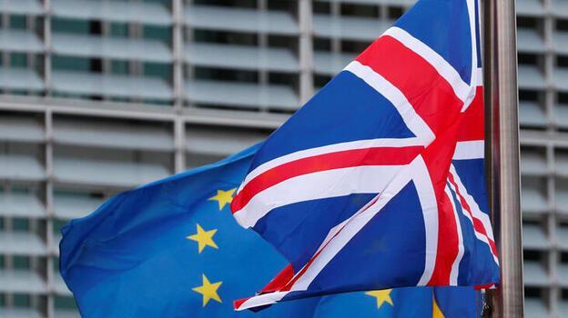 İngiltere'de yaşayan her 10 AB vatandaşından biri ayrılmayı düşünüyor!