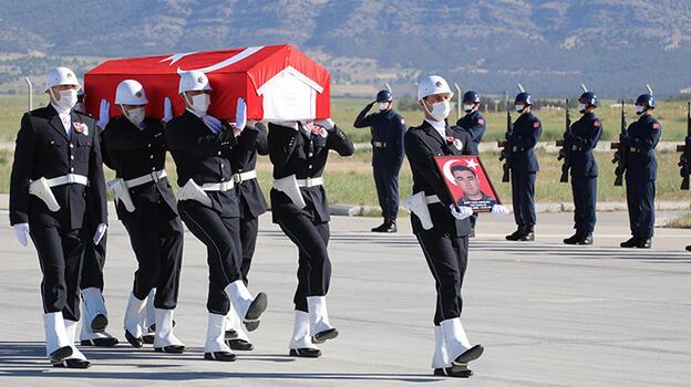 Şehit polisin cenazesi Denizli'ye getirildi