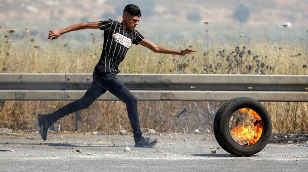 Sınıra gelen Ürdünlülerden Filistin'e destek gösterisi