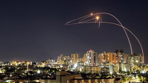 Hamas'tan İsrail'e bir gecede 200 füze