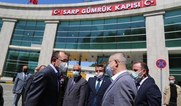 Ticaret Bakanı Muş Sarp Sınır Kapısı'nda incelemelerde bulundu
