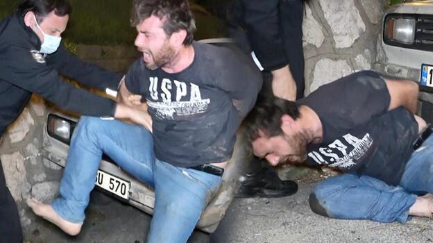 Bursa'da boş yolda duvara çarpan sürücü ortalığı birbirine kattı!