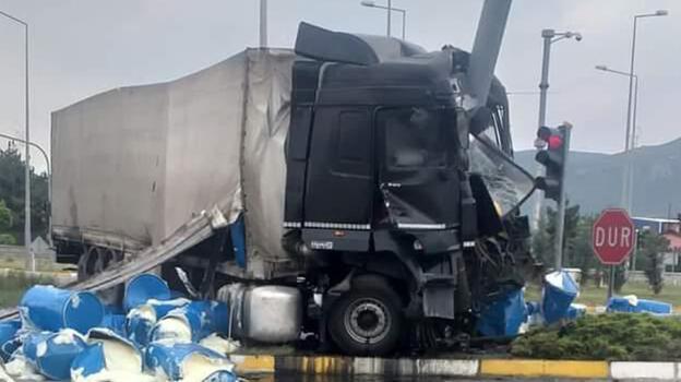 Konya'da TIR ile minibüs çarpıştı: 7 yaralı