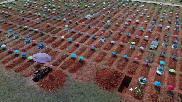 Peru'da kabus! Mezarlıklarda yer kalmadı