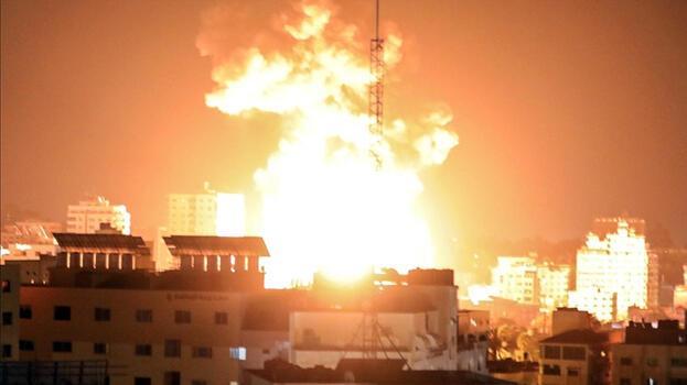 Son dakika: İsrail Gazze'nin çeşitli noktalarına yoğun saldırılar düzenledi