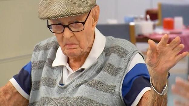 111 yaşındaki adam uzun yaşamasını 'tavuk beyni' yemeye bağladı