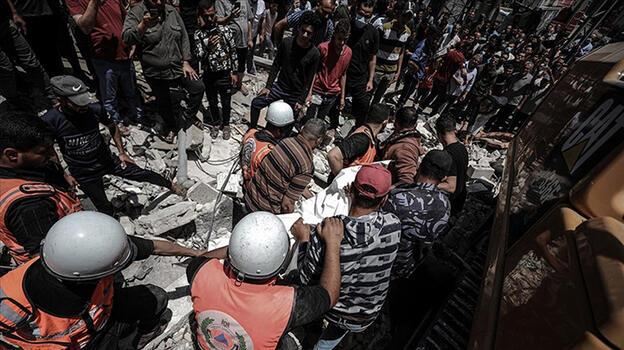İsrail jetleri Gazze'de bir fabrikayı vurdu