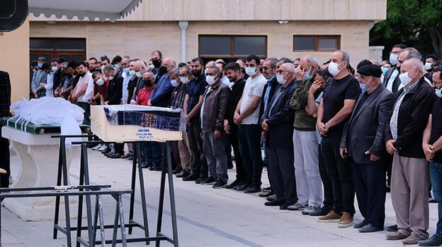 Konya'da kazada ölen baba ve kızı toprağa verildi