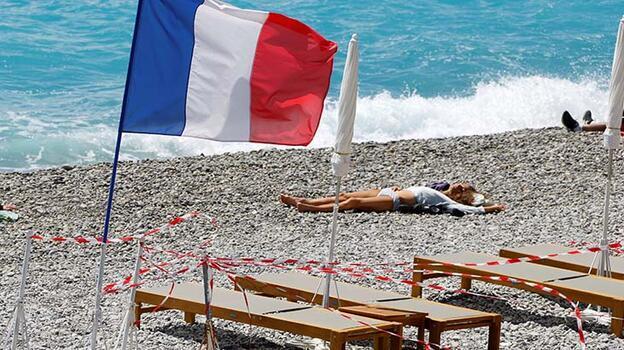 Fransa'da Kovid-19'dan son 24 saatte 196 kişi hayatını kaybetti