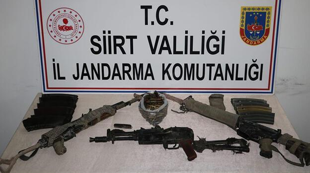 Siirt'te etkisiz hale getirilen 3 teröristin silah ve mühimmatı ele geçirildi