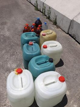 Kamyonetten 240 litre sahte içki ele geçirildi