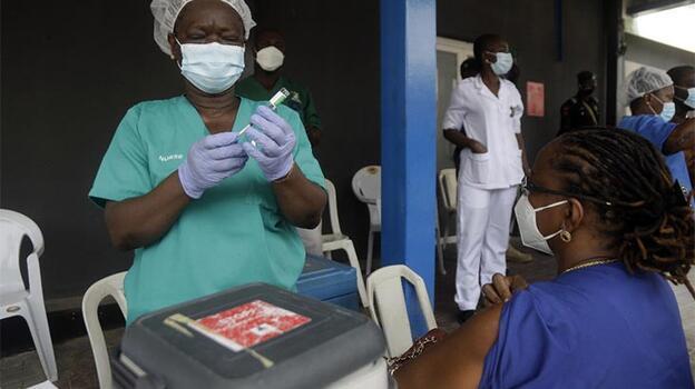 Nijerya'da Kovid-19 aşıları drone ile gönderiliyor