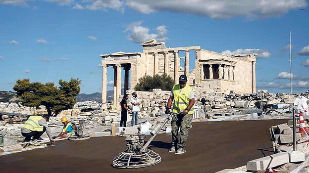 Akropolis isyanı!