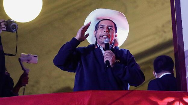 Peru'da seçimi sol partinin adayı Pedro Castillo kazandı