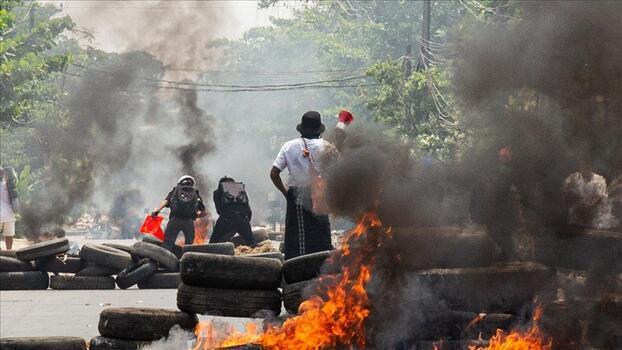 Myanmar'da ordunun öldürdüğü sivillerin sayısı 860'a çıktı