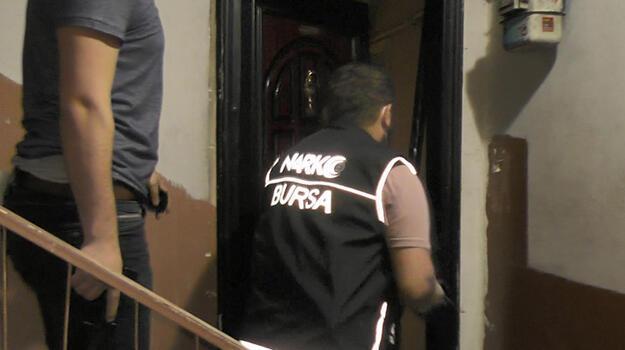 Bursa'da 16 kilo esrar ile 101 bin uyuşturucu hap ele geçirildi