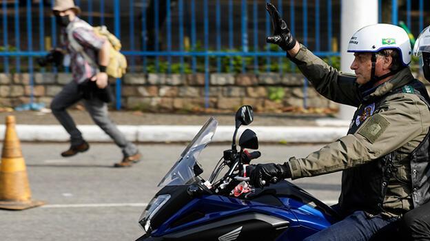 'Tropik Trump' Bolsonaro'ya maskesiz motosiklet sürmekten para cezası