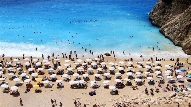 """""""Turizmin başkenti"""" Antalya'da turizmde hareketlilik bekleniyor"""