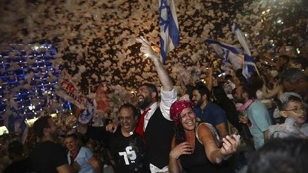 Netanyahu görevi yarın Bennett'e devredecek
