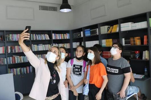 AK Parti'li Çokal geleceğin bilim insanlarıyla bir araya geldi