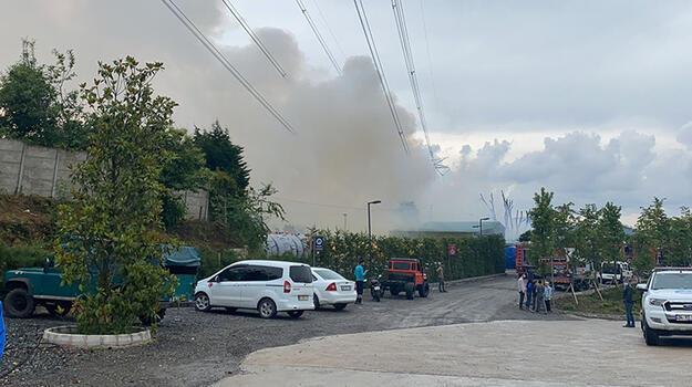 Son dakika... Çekmekö'de plastik fabrikasında yangın!