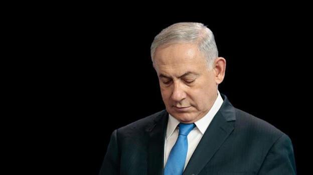 Netanyahu tarih oldu! Bennett'e başbakanlığı devretti