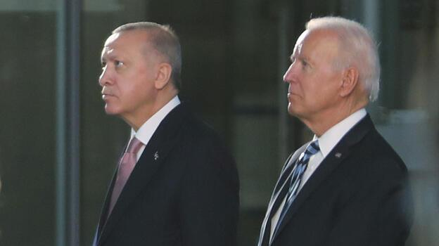 Erdoğan, toplantıdan önce Biden ile sohbet etti