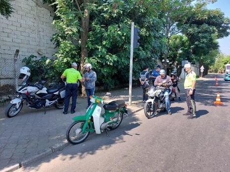Salihli'de 68 motosiklet sürücüsüne ceza yazıldı