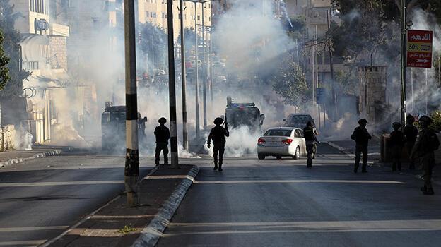 İsrail polisinden Kudüs'te Filistinlilere müdahale: 33 yaralı