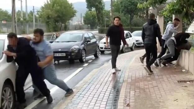 Taciz iddiasına meydan dayağı! Polis gelmeden kaçtılar