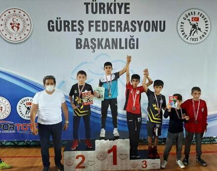 Bağcılar Belediyesi sporcusuna Türkiye şampiyonasında madalya