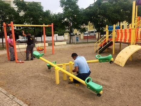 Kemer Belediyesi'nden parklarda bakım ve onarım