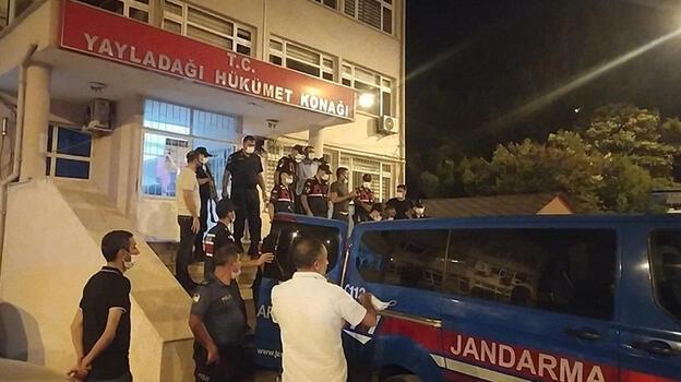 Yayladağı'nda göçmen kaçaklarına operasyonda 8 tutuklama
