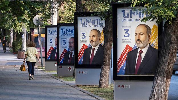 Ermenistan yarın tarihi seçime gidiyor