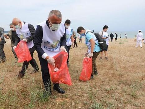 İğneada'da sahil temizliği