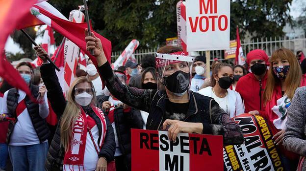 Peru'da seçim sonuçlarını henüz açıklamayan yetkililere protesto