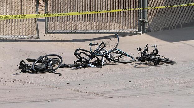 ABD'de bir kişi kamyonuyla bisiklet yarışına daldı: 6 yaralı